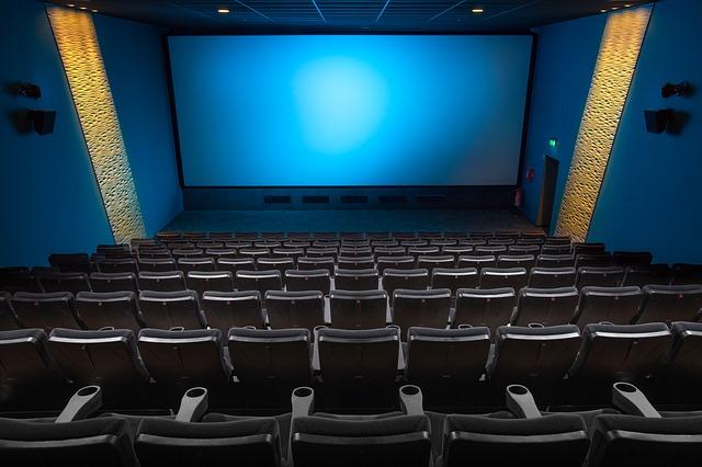 prázdný kinosál