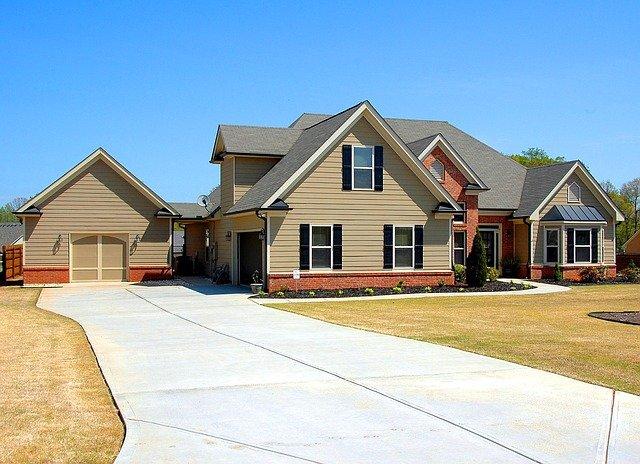 krásný dům s garáží.jpg