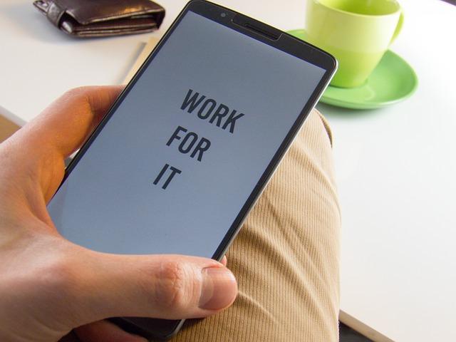 text na mobilu.jpg